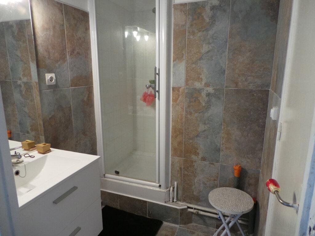 Appartement à louer 1 29.33m2 à Toulon vignette-6