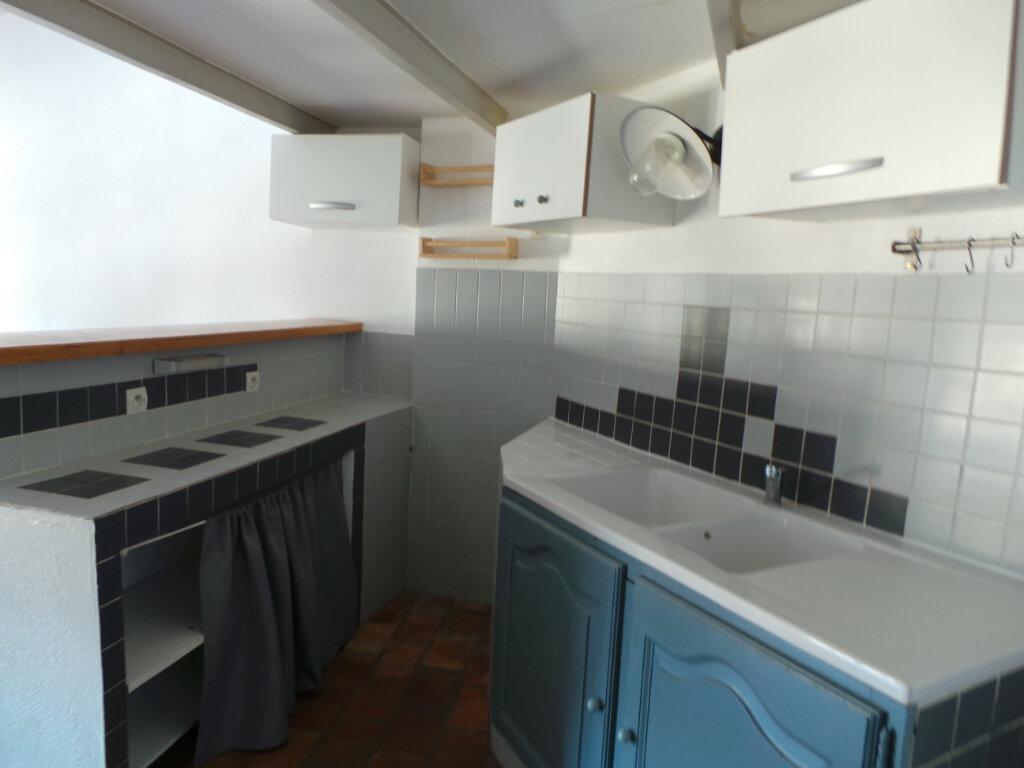 Appartement à louer 2 45.07m2 à Le Revest-les-Eaux vignette-4