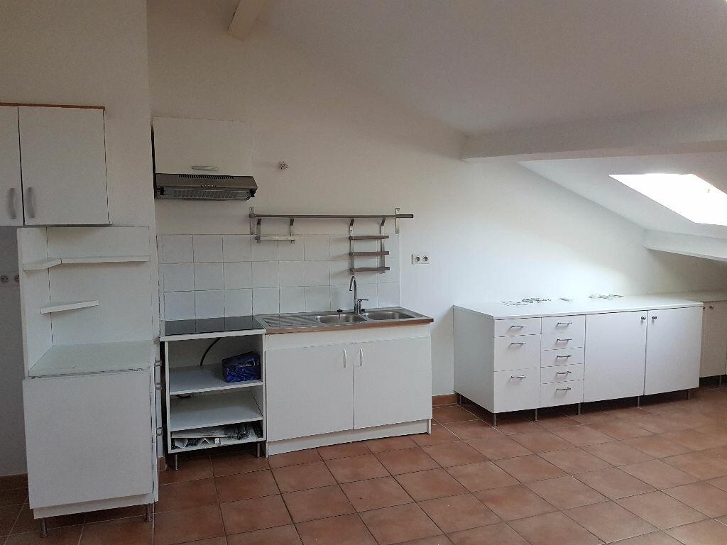 Appartement à louer 3 57.82m2 à Toulon vignette-2