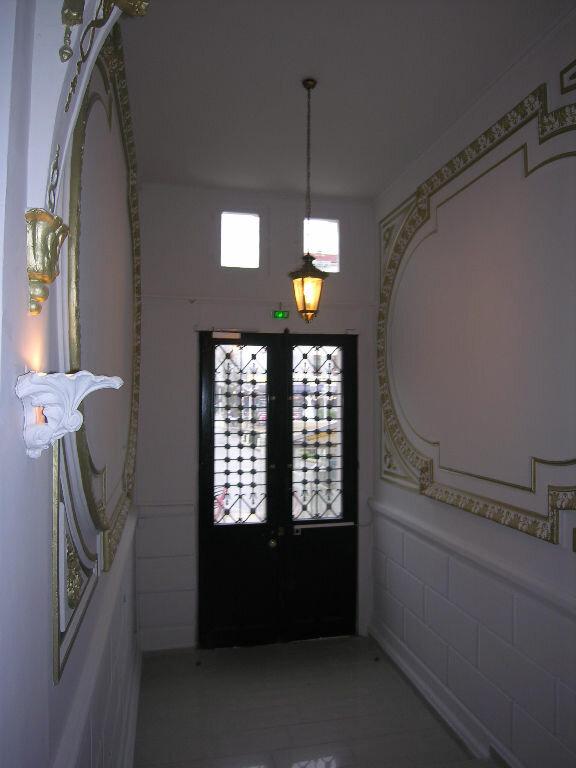 Appartement à louer 3 57.82m2 à Toulon vignette-5