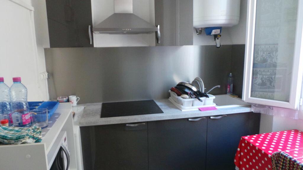 Appartement à louer 3 53.44m2 à Toulon vignette-1