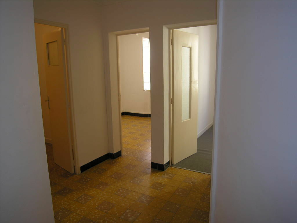 Appartement à louer 3 53.44m2 à Toulon vignette-4