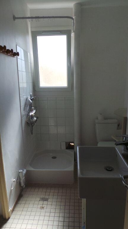 Appartement à louer 1 26.45m2 à Toulon vignette-4