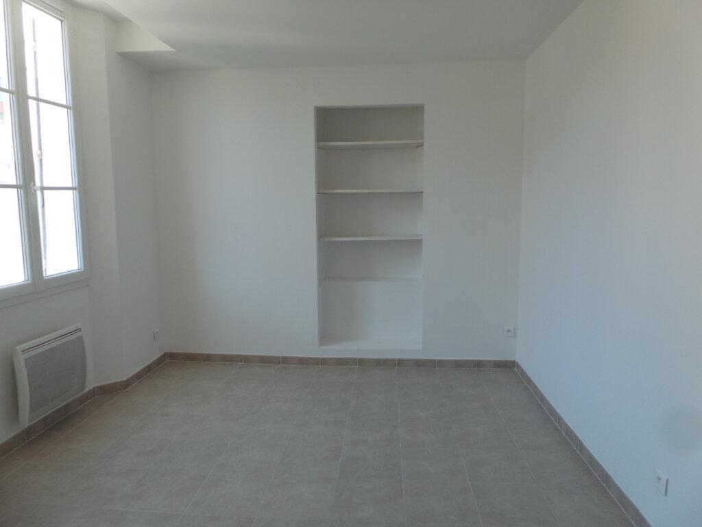 Appartement à louer 2 46.65m2 à Toulon vignette-2