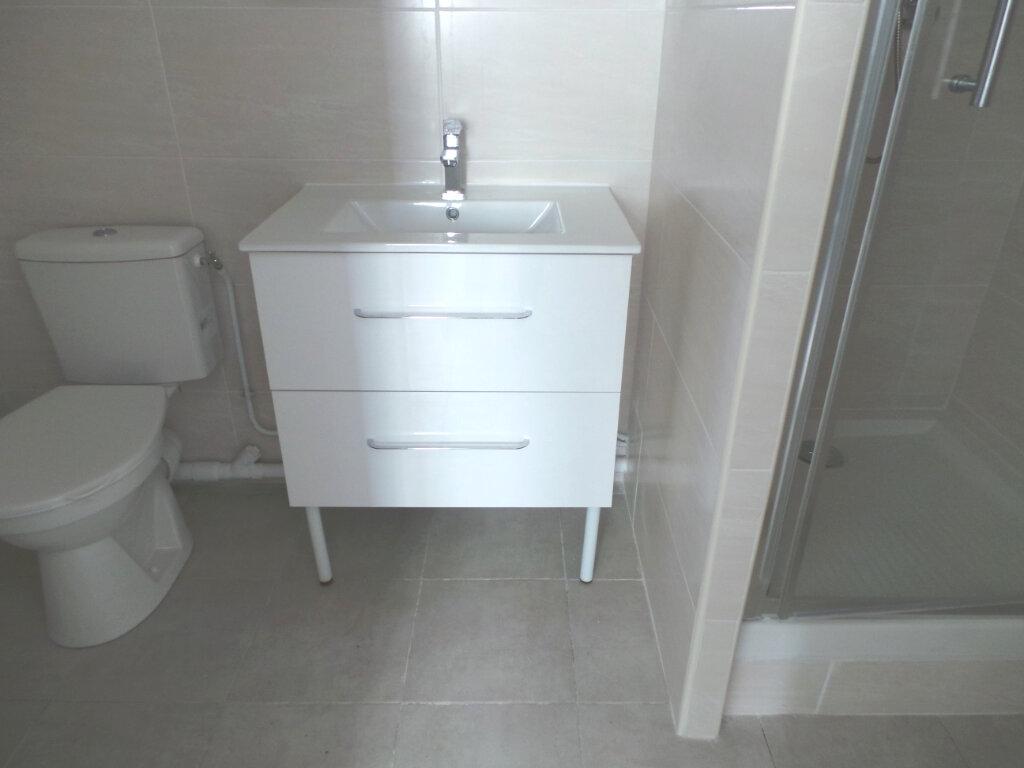 Appartement à louer 2 46.65m2 à Toulon vignette-5