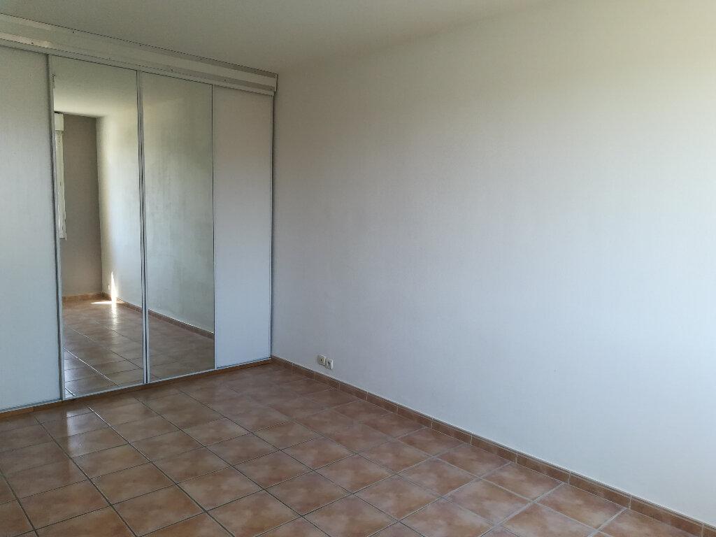 Appartement à louer 3 62.84m2 à Toulon vignette-6