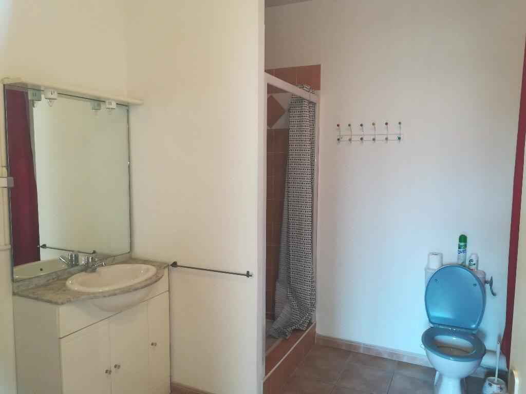 Appartement à louer 3 62.84m2 à Toulon vignette-7