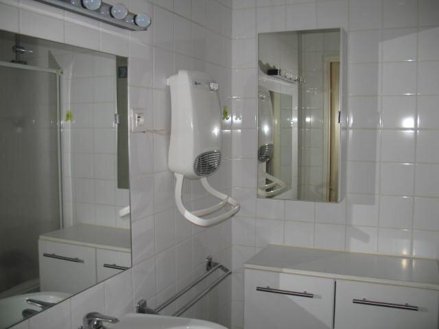 Appartement à louer 3 61.43m2 à Toulon vignette-4