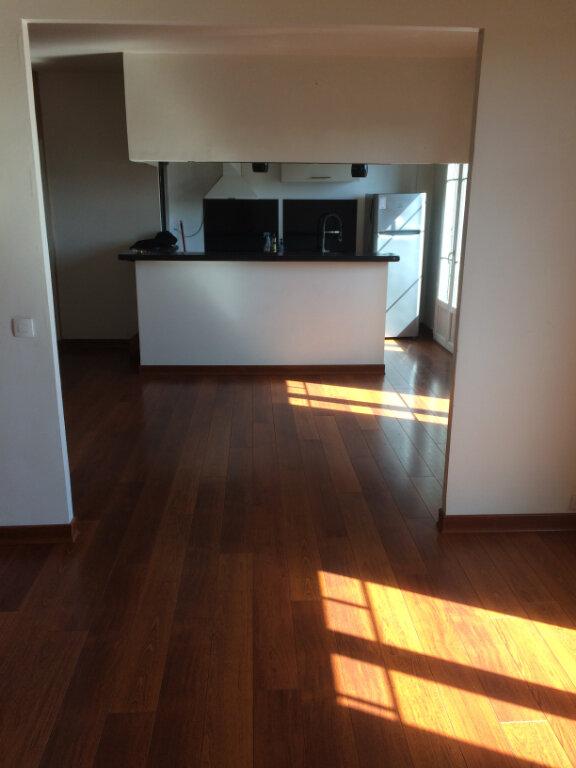 Appartement à louer 2 62.04m2 à Toulon vignette-1