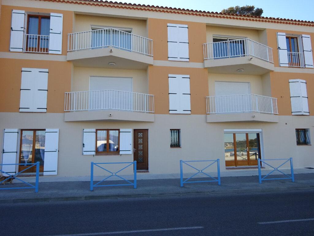 Appartement à vendre 3 55.58m2 à Saint-Mandrier-sur-Mer vignette-1