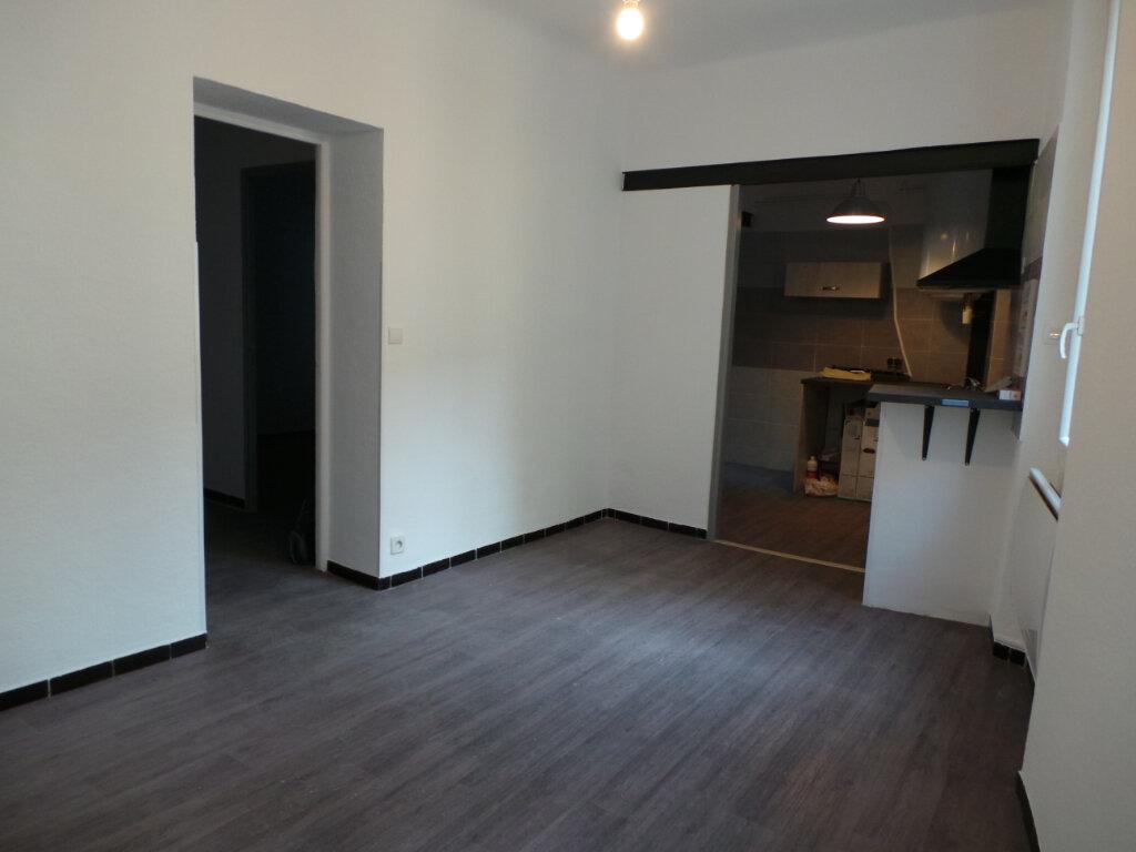 Appartement à louer 3 53.05m2 à Toulon vignette-1