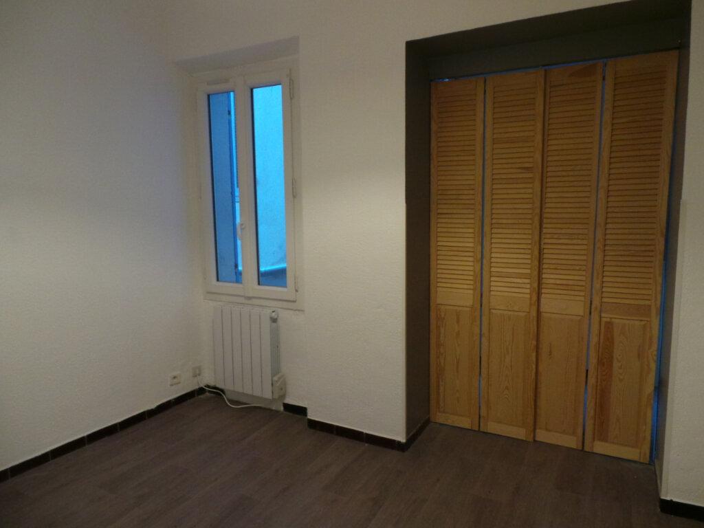 Appartement à louer 3 53.05m2 à Toulon vignette-5