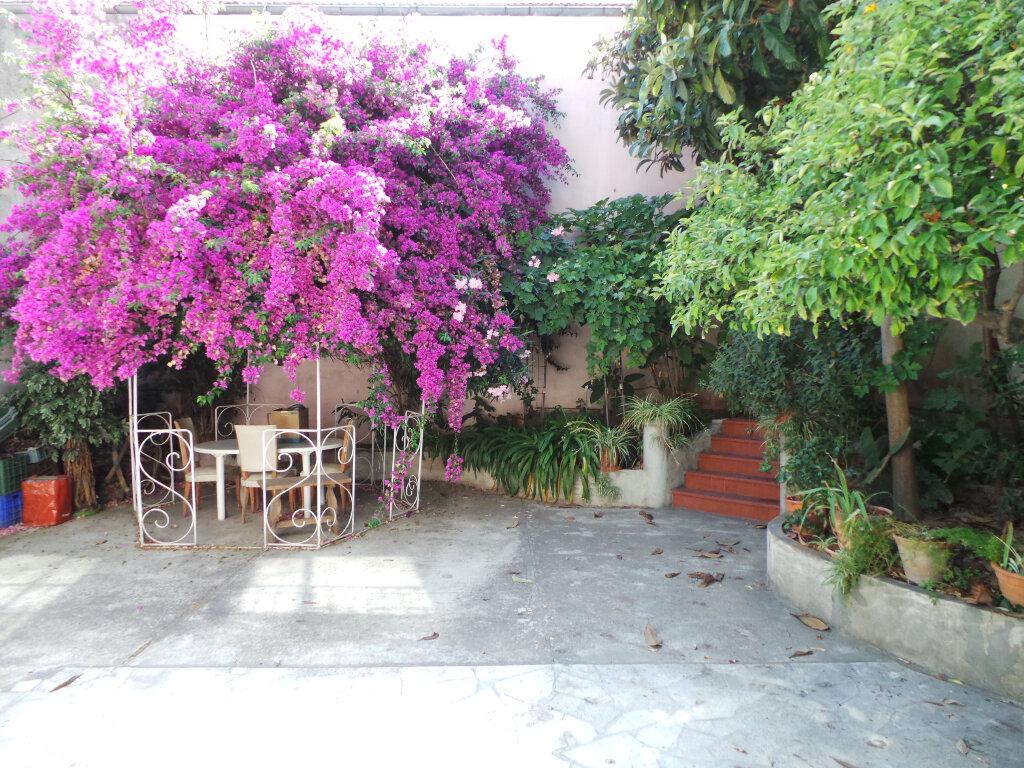 Maison à vendre 5 110m2 à Toulon vignette-1