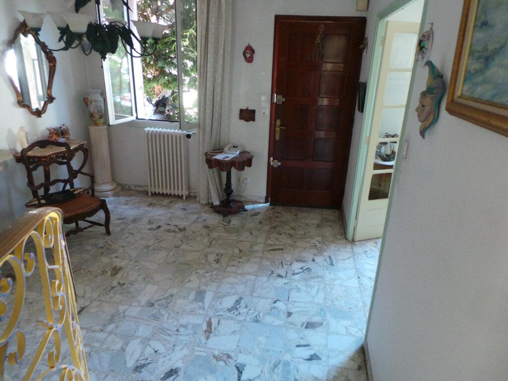 Maison à vendre 5 110m2 à Toulon vignette-2