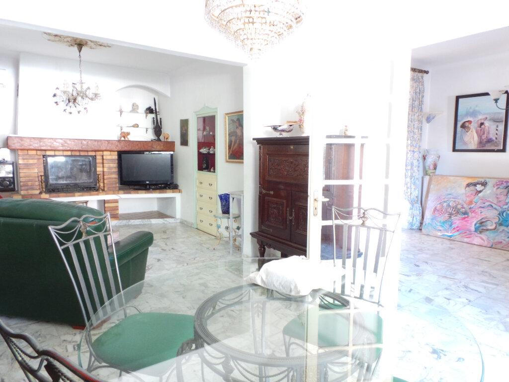 Maison à vendre 5 110m2 à Toulon vignette-3