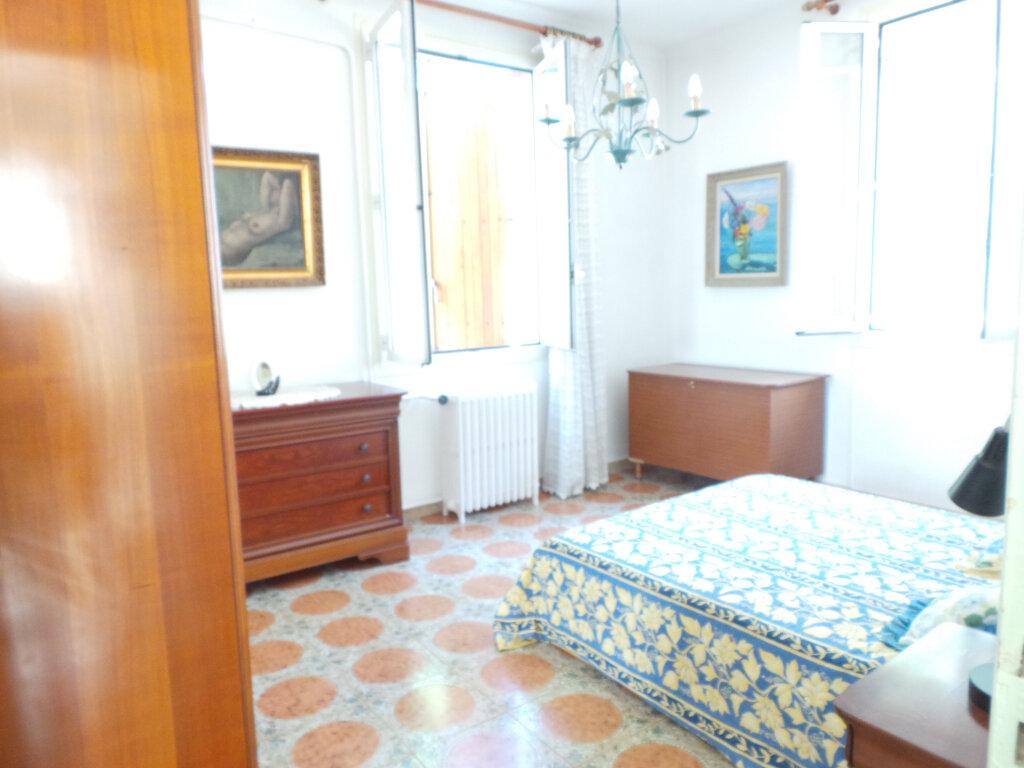 Maison à vendre 5 110m2 à Toulon vignette-7