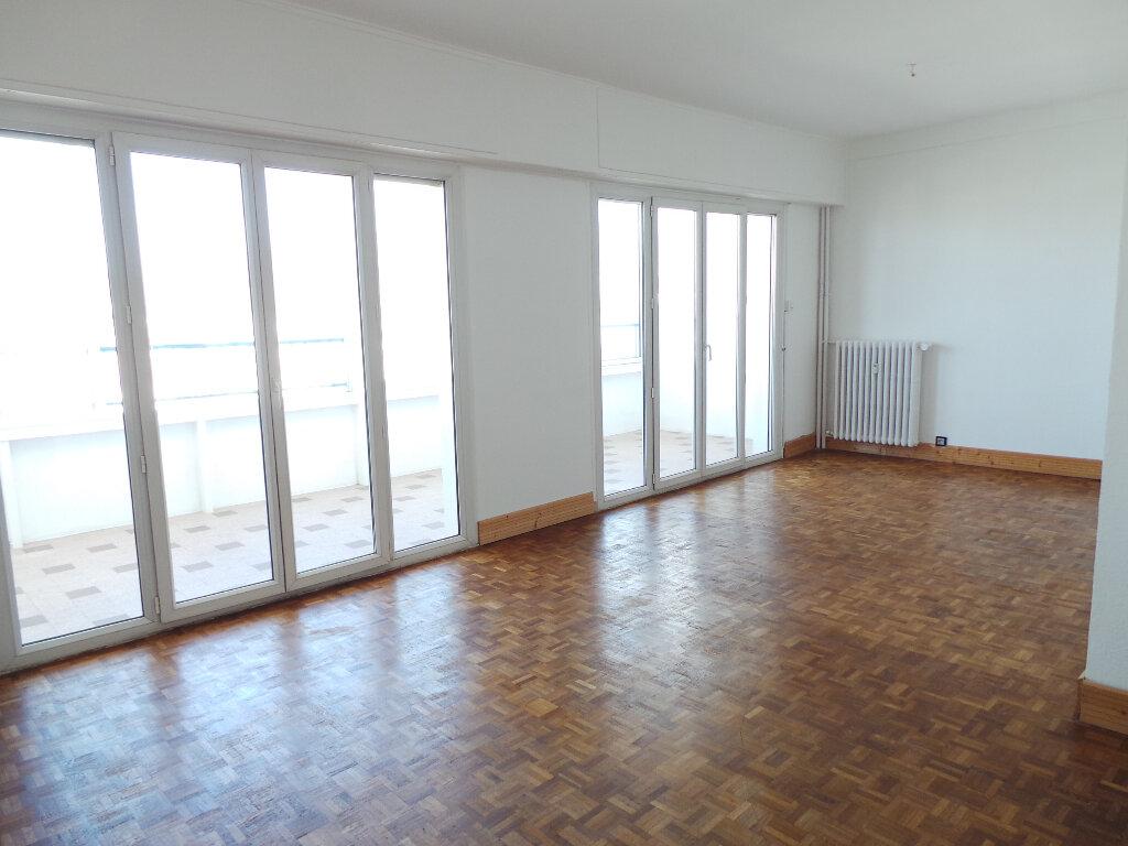 Appartement à vendre 3 65m2 à Toulon vignette-2