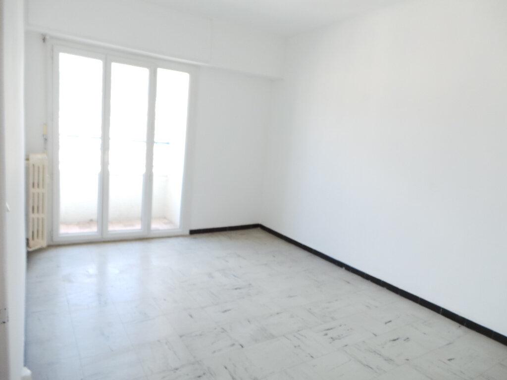Appartement à vendre 3 65m2 à Toulon vignette-4