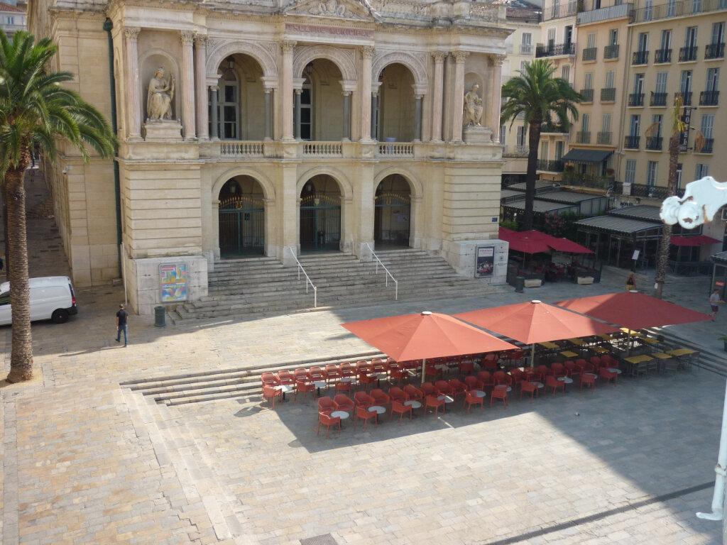 Appartement à louer 2 39.5m2 à Toulon vignette-1