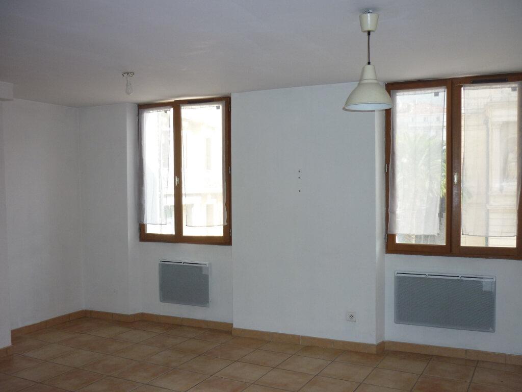 Appartement à louer 2 39.5m2 à Toulon vignette-2
