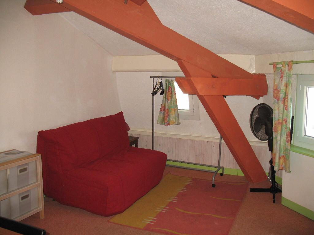 Appartement à louer 1 25.42m2 à Toulon vignette-2