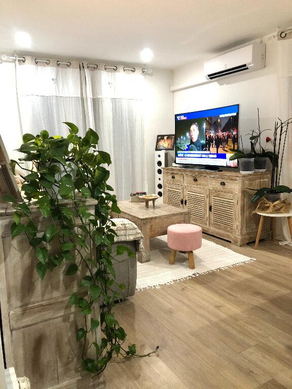 Appartement à vendre 3 56m2 à Saint-Mandrier-sur-Mer vignette-2