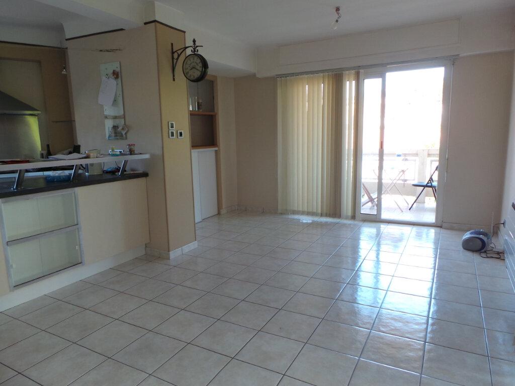 Appartement à louer 4 77.18m2 à Toulon vignette-3