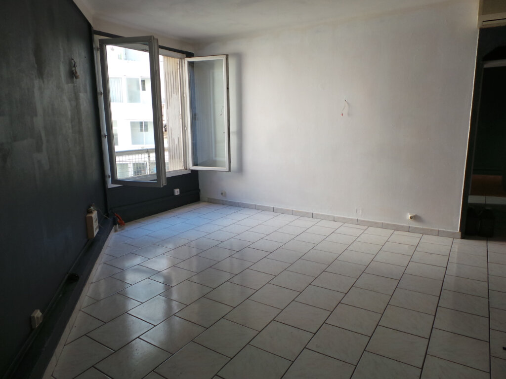 Appartement à louer 3 50.57m2 à Toulon vignette-1