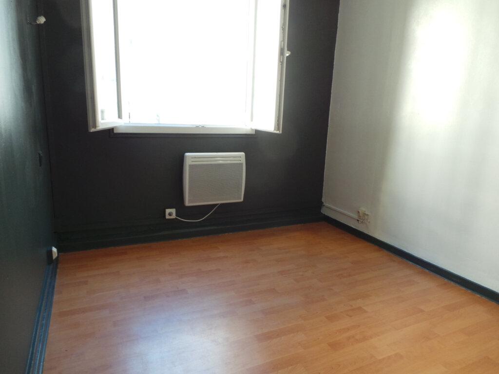 Appartement à louer 3 50.57m2 à Toulon vignette-6