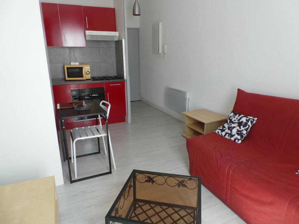 Appartement à louer 2 35m2 à Toulon vignette-2
