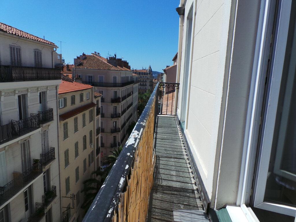Appartement à louer 2 35m2 à Toulon vignette-6