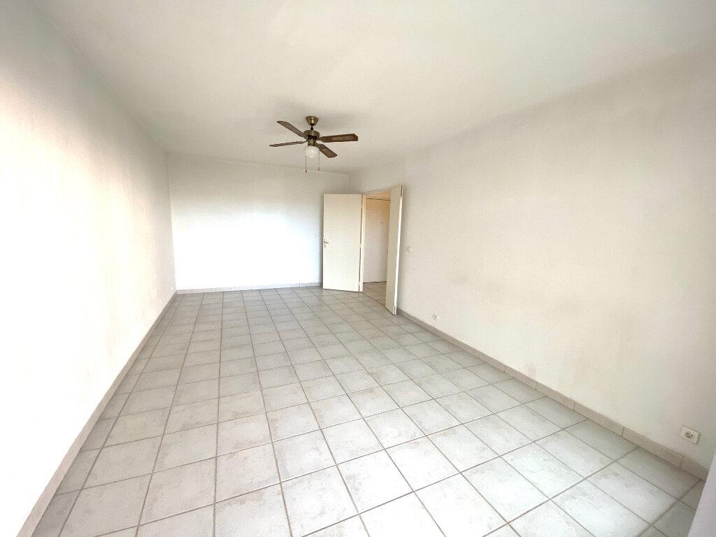 Appartement à louer 2 53m2 à Grasse vignette-3