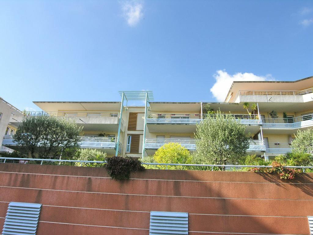 Appartement à louer 2 53m2 à Grasse vignette-9