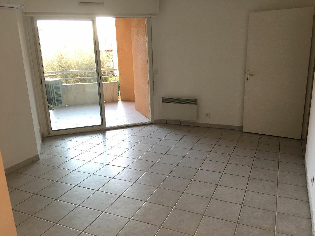 Appartement à louer 2 41.44m2 à Mouans-Sartoux vignette-1