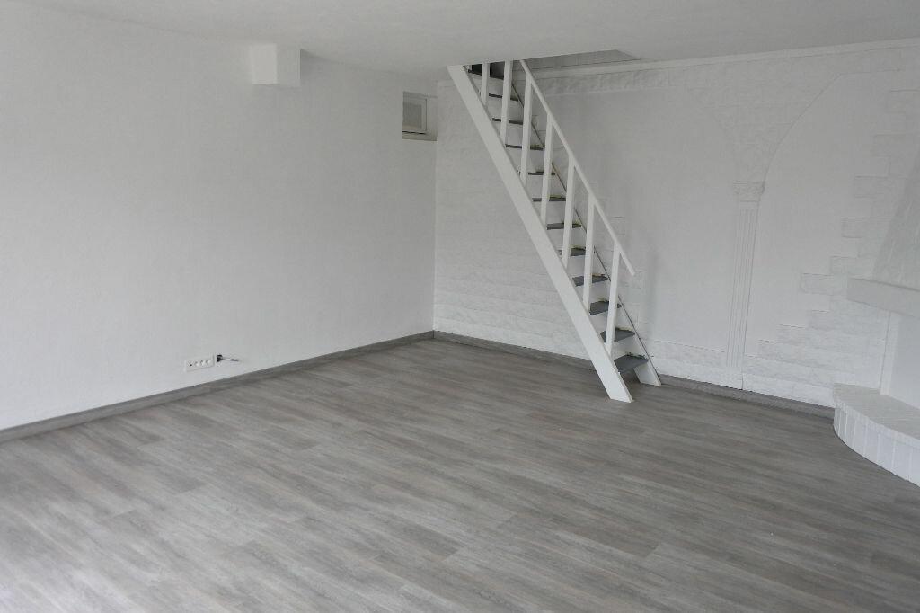 Appartement à louer 2 65.09m2 à Mougins vignette-3