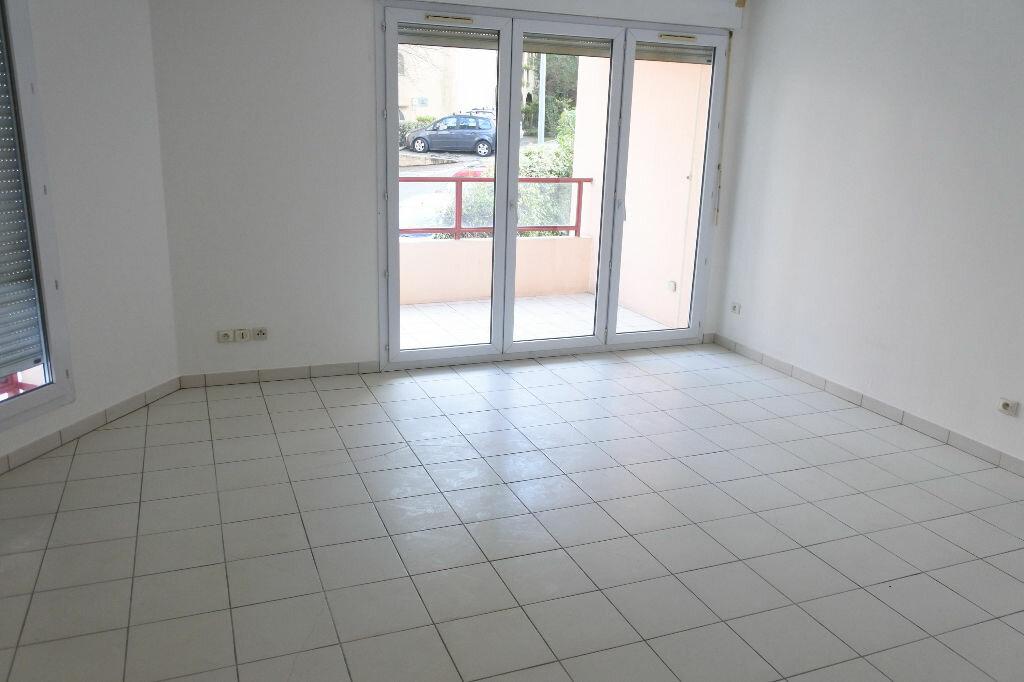 Appartement à louer 3 64.26m2 à Mouans-Sartoux vignette-3