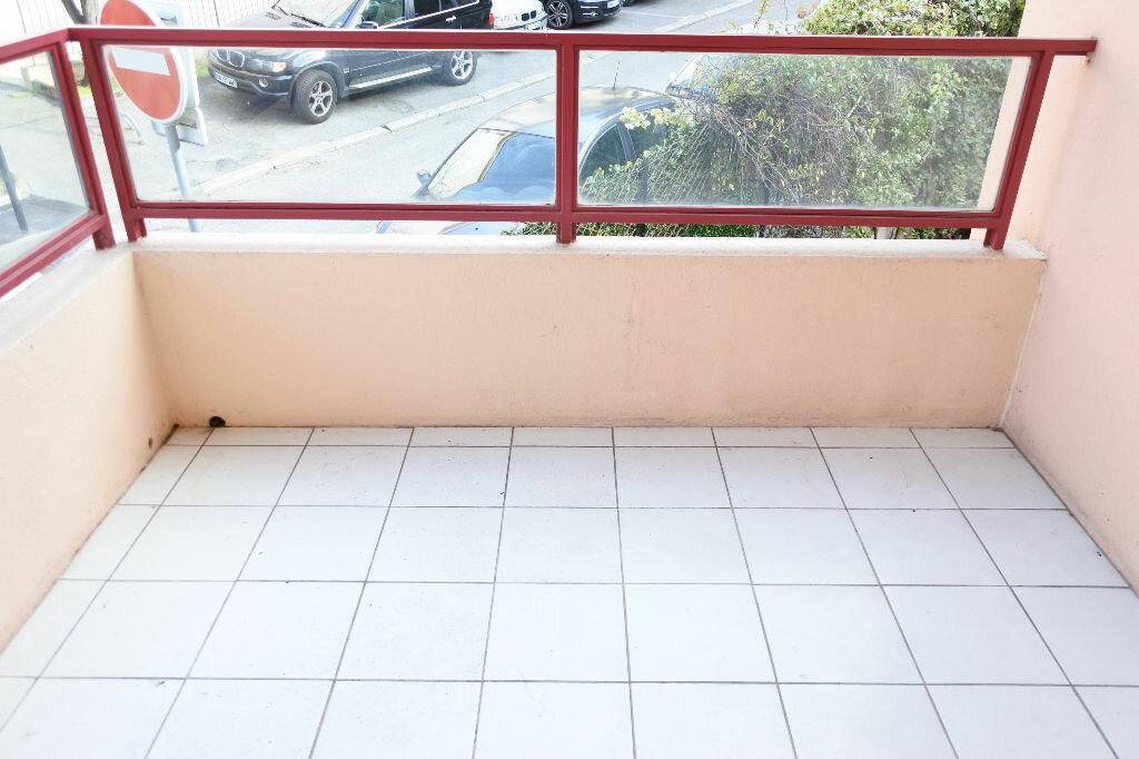 Appartement à louer 3 64.26m2 à Mouans-Sartoux vignette-4