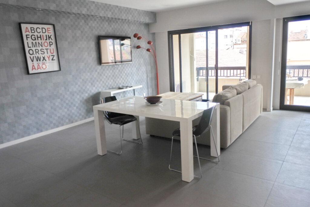 Appartement à vendre 2 47.71m2 à Cannes vignette-1