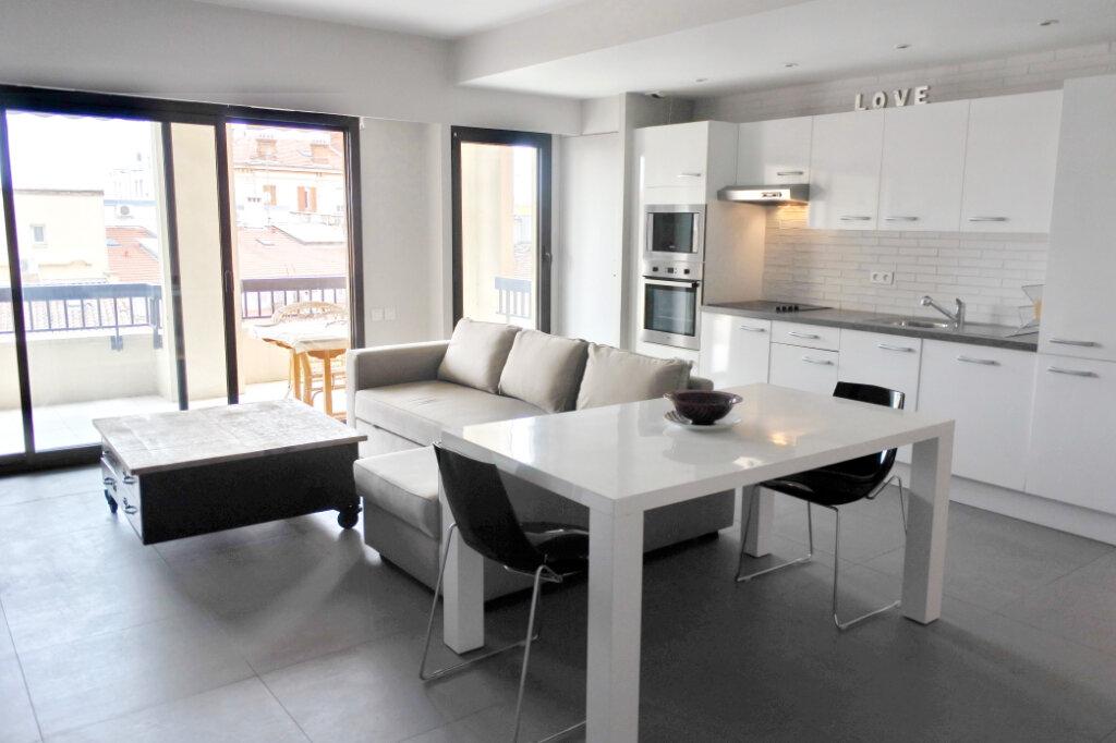 Appartement à vendre 2 47.71m2 à Cannes vignette-3