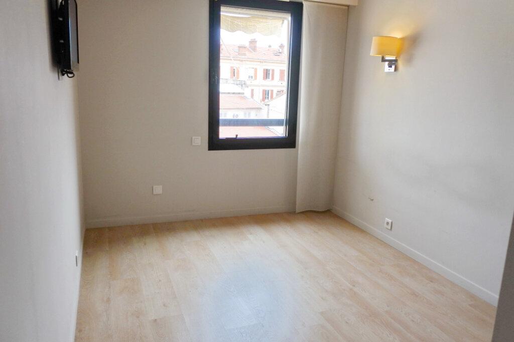 Appartement à vendre 2 47.71m2 à Cannes vignette-4