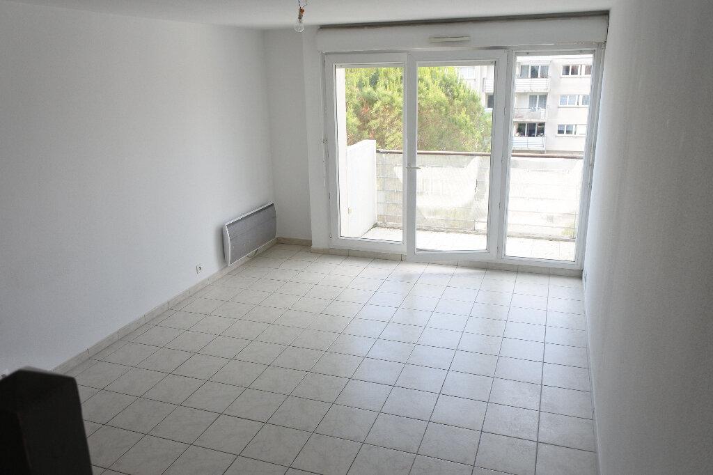 Appartement à louer 3 66.59m2 à Mouans-Sartoux vignette-1