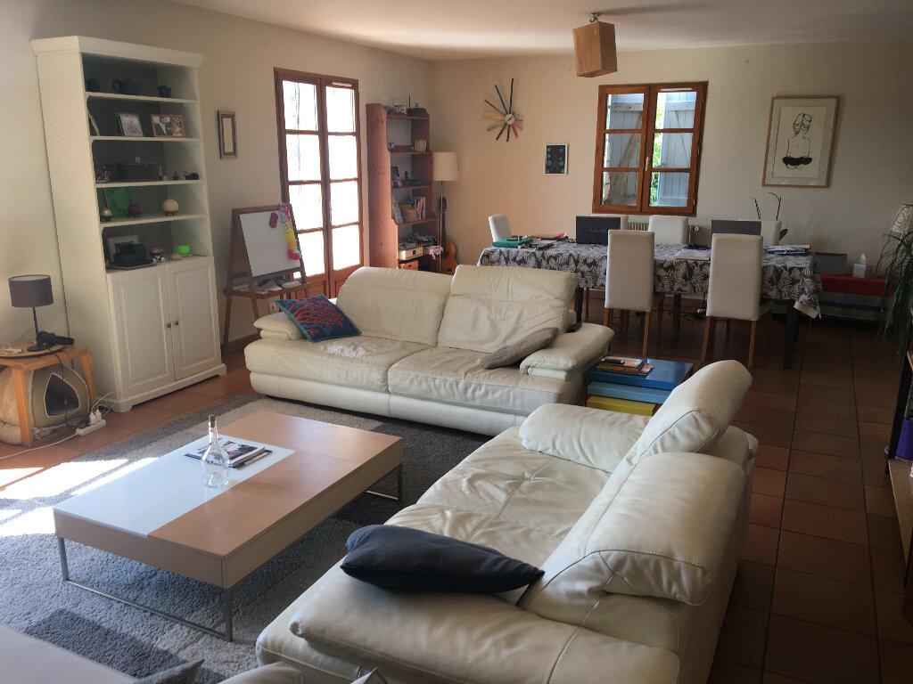 Maison à louer 4 158.17m2 à Grasse vignette-4