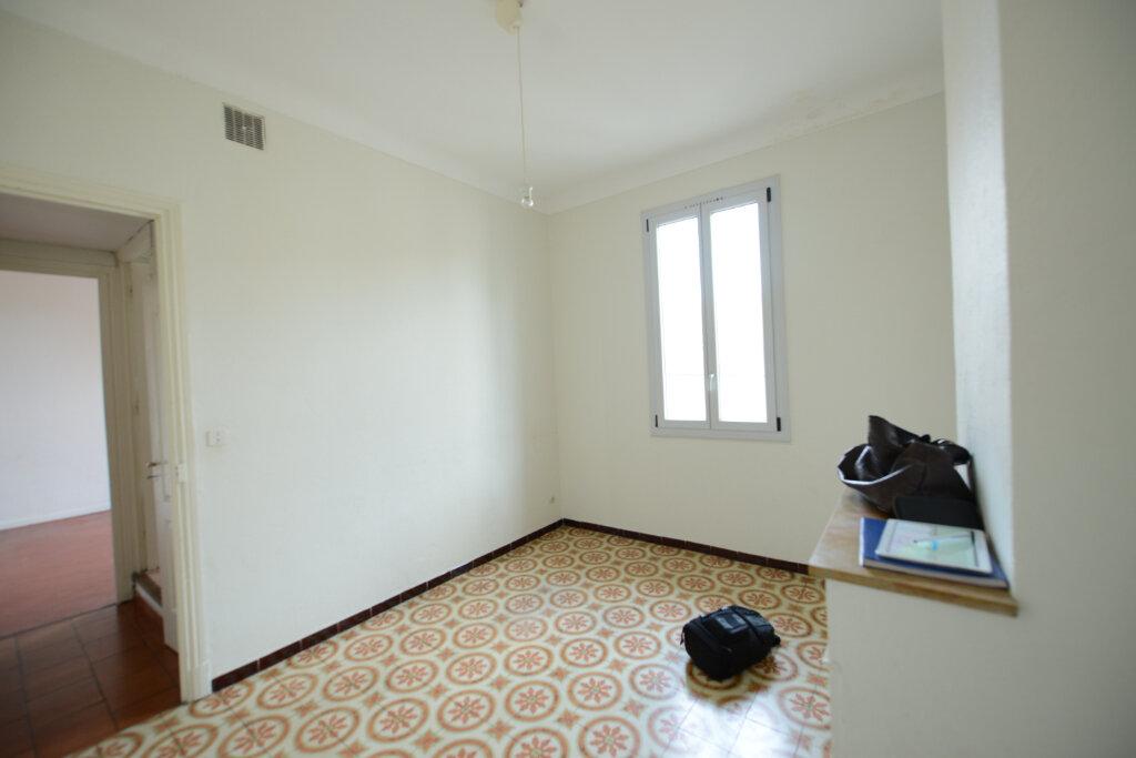 Appartement à louer 3 56.34m2 à Grasse vignette-2