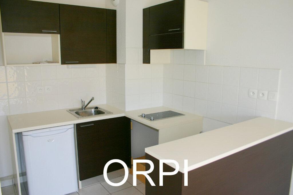 Appartement à louer 2 46m2 à Grasse vignette-3