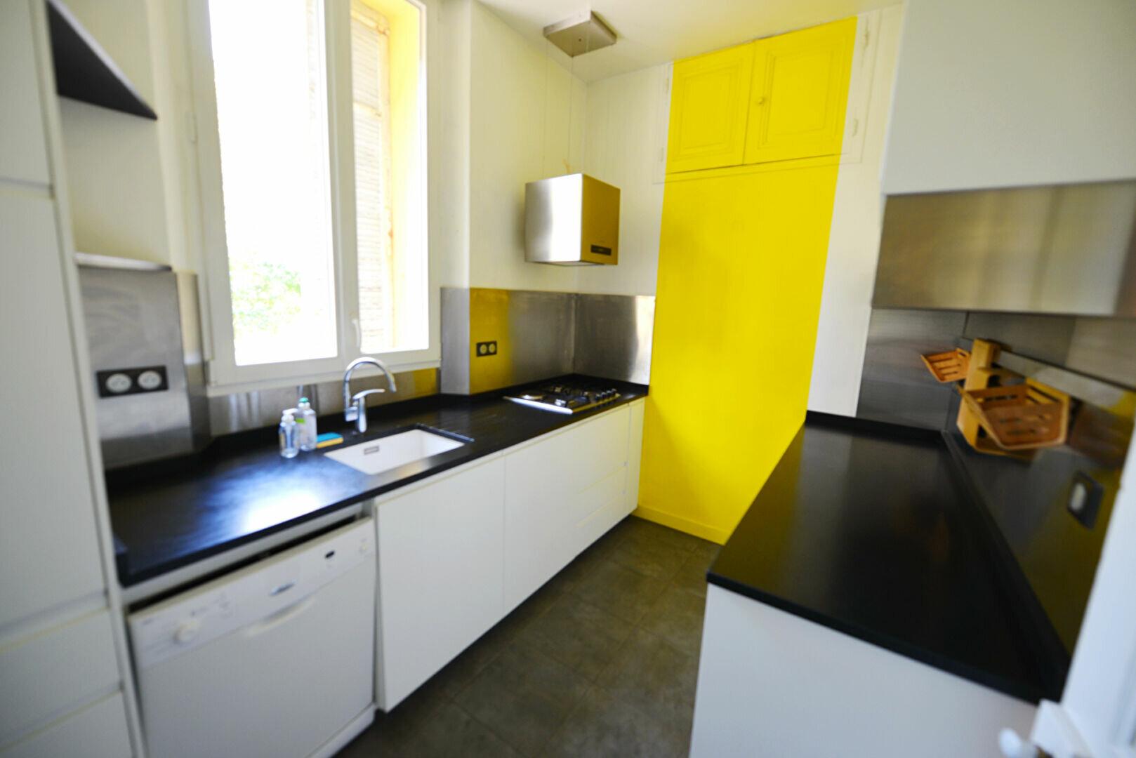 Appartement à louer 4 100m2 à Grasse vignette-5