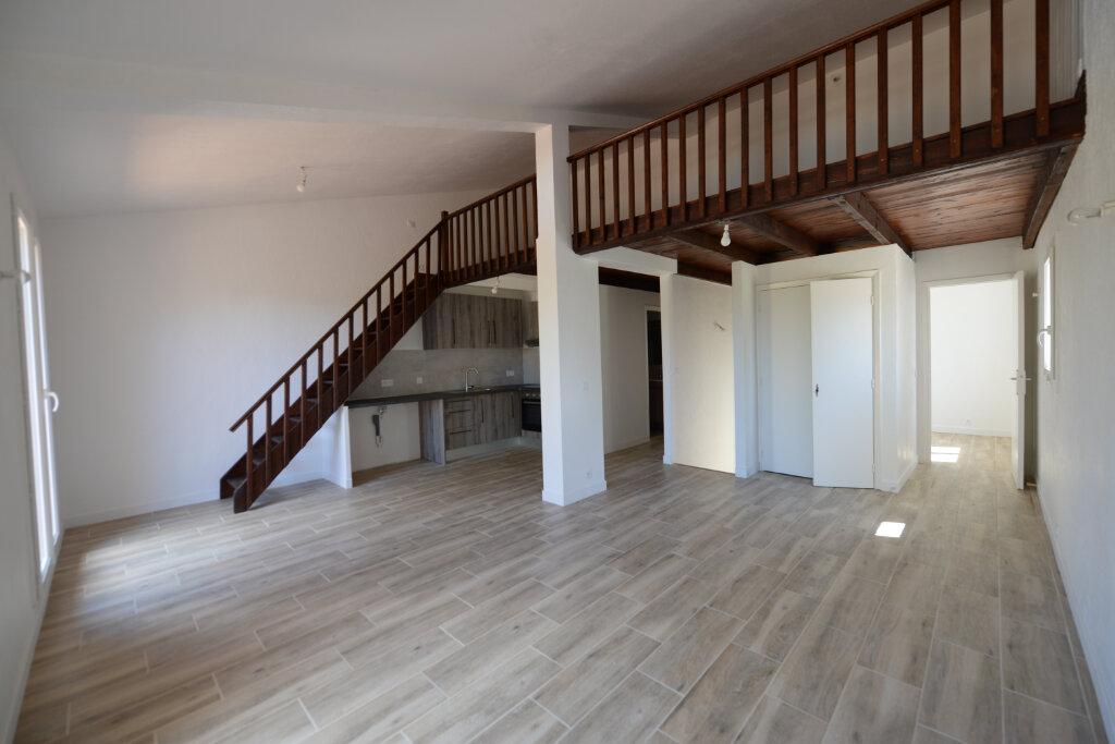 Appartement à louer 3 65m2 à Peymeinade vignette-1