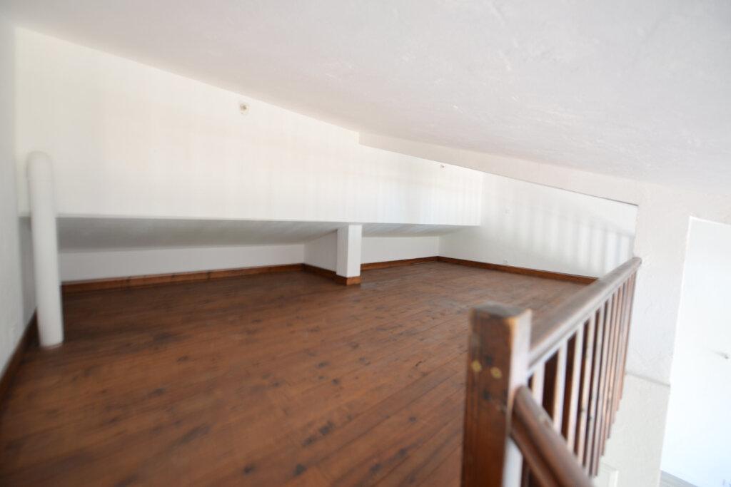 Appartement à louer 3 65m2 à Peymeinade vignette-4