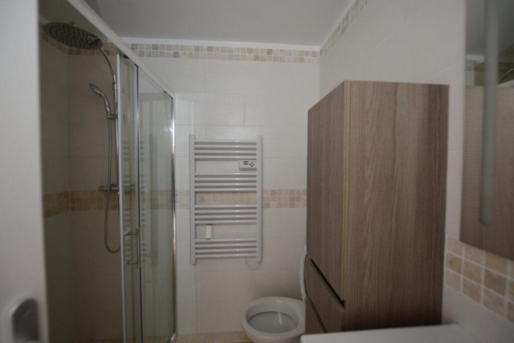 Appartement à louer 3 65m2 à Peymeinade vignette-6