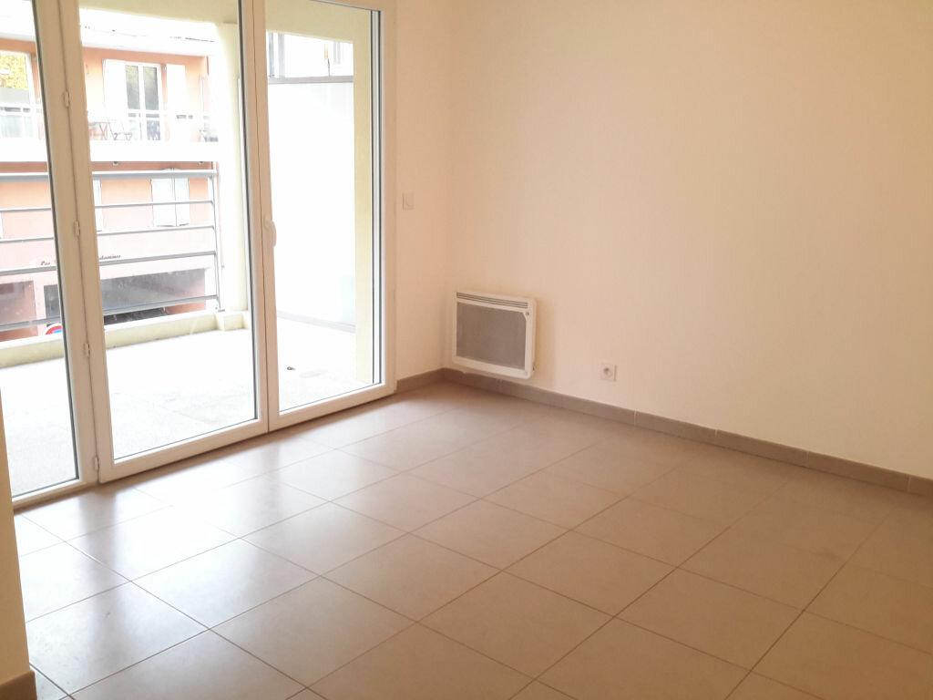 Appartement à louer 3 52m2 à Grasse vignette-1