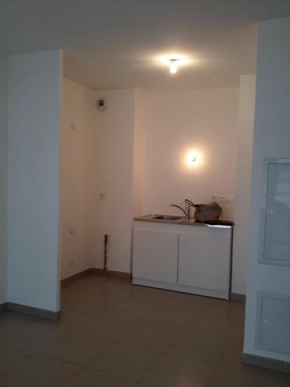 Appartement à louer 3 52m2 à Grasse vignette-2